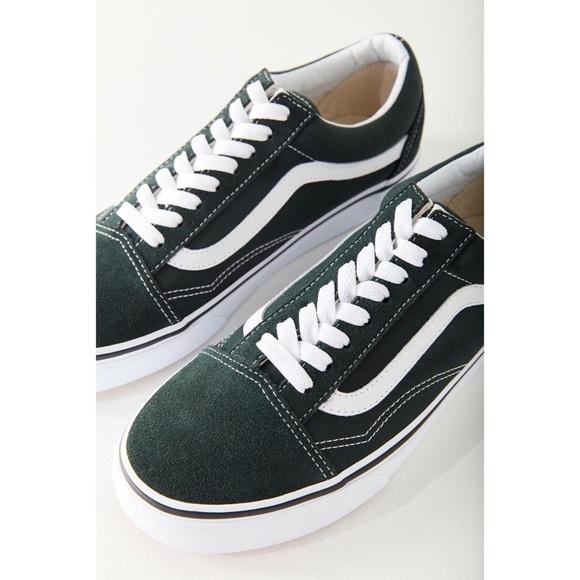 175f9a38b21f VANS • Classic Old Skool Sneaker (Dark Green)